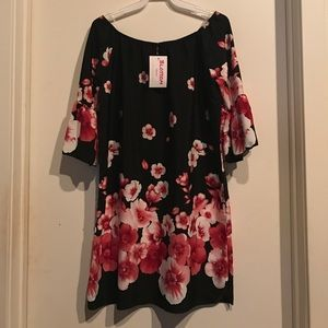 MOVING SALEFloral Print Off Shoulder Dress