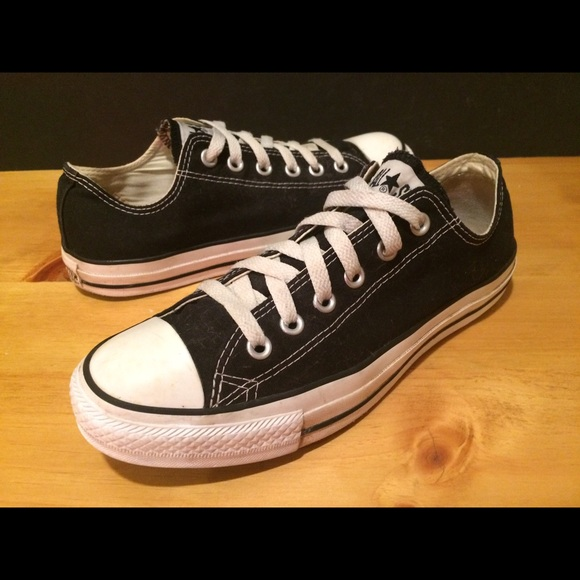 Women's Size 8.5 Black Converse All Star Shoes