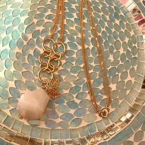 HP! Spring Sale! Beautiful White Stone Necklace