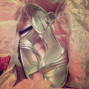 ‼️SALE‼️Chinese Laundry strappy silver heel