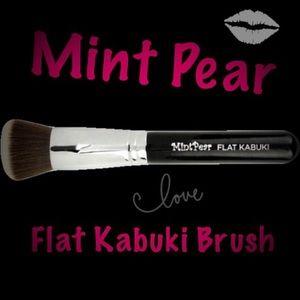 Mint Pear Beauty Other - Flat Kabuki Brush🎉Mint Pear Beauty🍃🍐