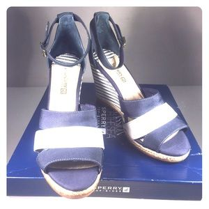 Sperry Shoes - SPERRY Canvas Navy and White Sandals,LNIB, Size 11