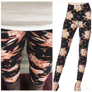 Pants - The floral plus legging