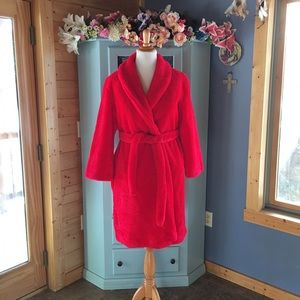 jcpenney Other - RED Fluffy PLUSH ROBE. WOW!