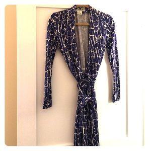 Diane von Furstenberg Dresses & Skirts - DVF (Diane Von Fursteinberg) dress sz 2