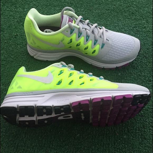 Nike Shoes - Nike zoom vomero women's gray yellow green sneaker
