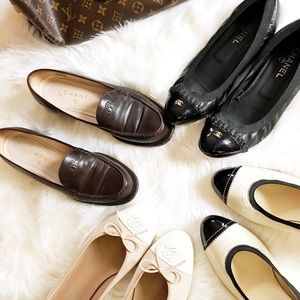 CHANEL Shoes - 🌷Host Pick🌷 Chanel Chocolate CC Heeled Loafers