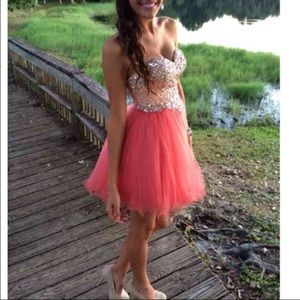 Glamour & Co. Dresses & Skirts - Beautiful dress-WORN ONCE