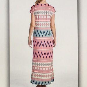 Dresses - 👛Pink Aztec👛stretchy maxi dress