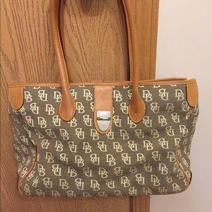Dooney & Bourke Handbags - Dooney & Bourke Tote Bag