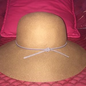 Phenix Accessories - Round crown floppy wool hat