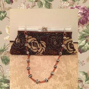 🎊HP🎊🌺Floral beaded purse 🌺