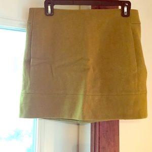 Wool moss green j CREW mini skirt w/ pockets sz 4