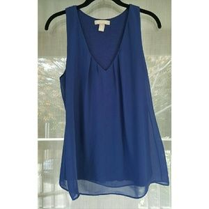 Banana Republic Tops - Blue flowing top