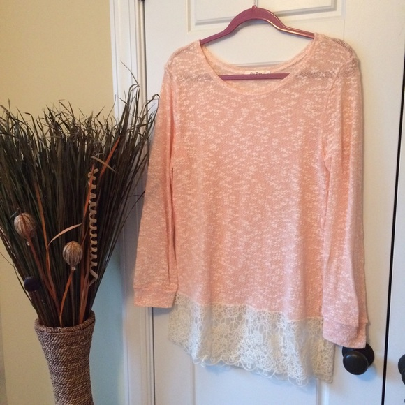 Tops - Boutique Tunic Sweater w/Lace Bottom