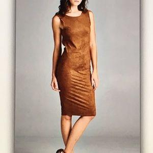 Dresses - 🔥Brown sleeveless🔥suede open back midi dress