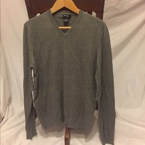 Unlisted Other - Super soft men's gray v-neck sweater