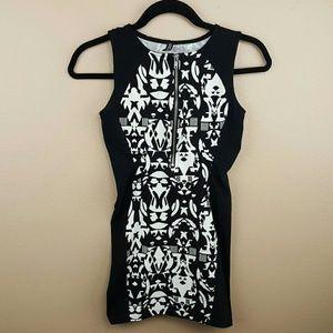 🌺 H&M Black & White bodycon zipper dress Size XS