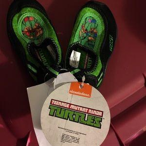 Nickelodeon Other - NWT Teenage Mutant Ninja Turtles Swim Shoes sz 5/6