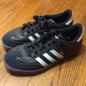 Adidas Shoes - Samba indoor soccer shoes/sneakers