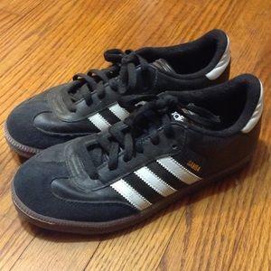 Samba indoor soccer shoes/sneakers