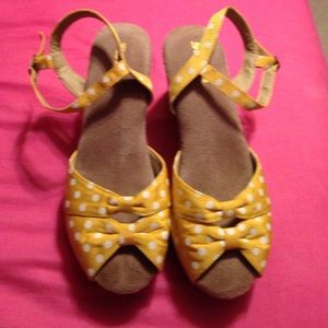 Gently Used Yellow and White Polkadotted Wedges!