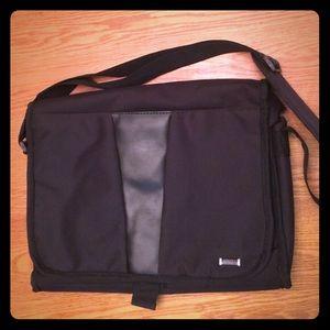 Solo Other - NEW Laptop Case 16x12 1/2  Men/Women by Solo
