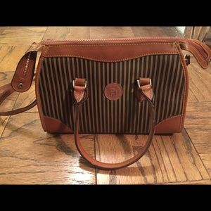 unverified Handbags - Satchel Bag w/shoulder strap