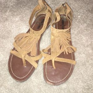 Minnetonka Shoes - Brown Minne Tonka sandals size 7