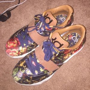 Other - Floral Kd's