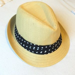 FOREVER 21 straw fedora with polka dot band ✨