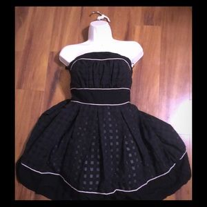 Cute black strapless dress