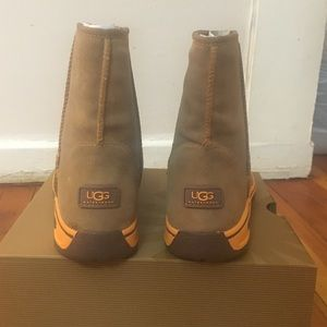 a1022133f10 NWB Ugg Australia authentic K Lynden waterproof 🎄 NWT