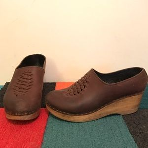 No. 6 Brown Wedge Clogs