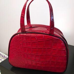 Elizabeth Arden Other - NEW Elizabeth Arden Red MAKEUP BAG