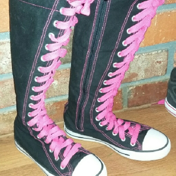 aj lee converse boots