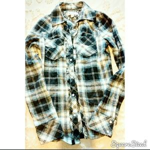 Tops - Cute Flannel