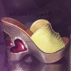 Report Signature Shoes - $220 Report signature green leather Snake shoes