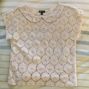 Tops - Never worn. Cream lace top. Size XS