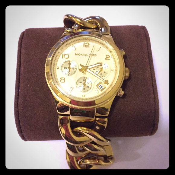 555312580216 Michael Kors Women s Runway Gold-Tone Watch MK3131