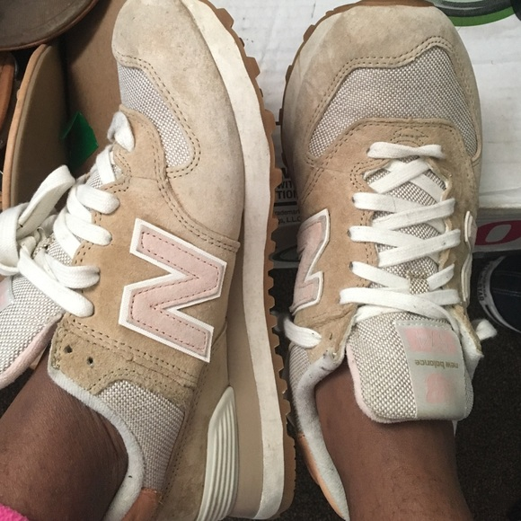 Cream , Pink & White New Balance