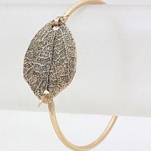 Farah Jewelry Leaf Bracelet