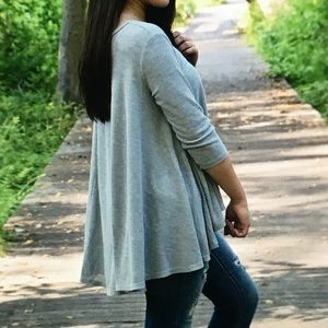Tops - 🤖Gray thermal🤖flowy 3/4 sleeve blouse