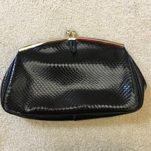 Handbags - NWOT Black vintage purse snake skin pattern