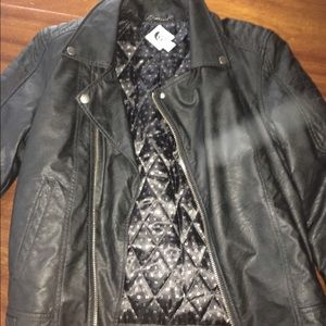 Women's leather jacket volcome