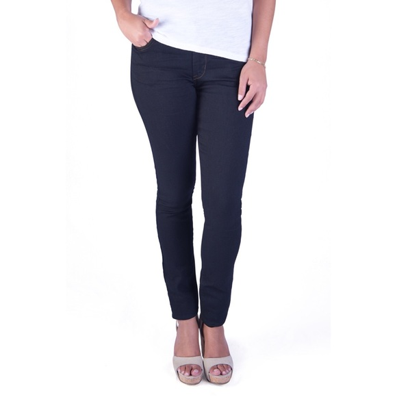 Denim - Classic skinny jeans in black