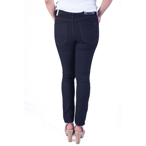 Joe's Jeans Jeans - Classic skinny jeans in black