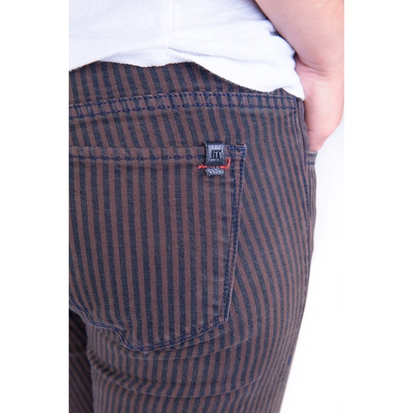 !iT Collective Jeans - NEW Brown & Black Jeans