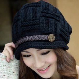 Accessories - Knitted beanie hat
