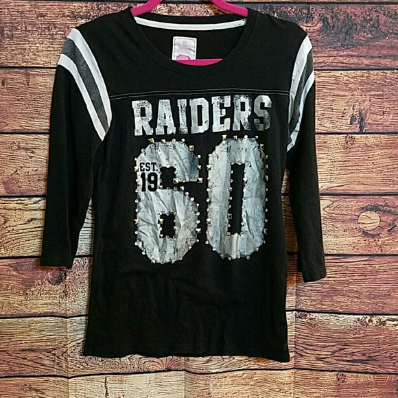 4644a4028 Victoria s Secret PINK Oakland Raiders tee size M